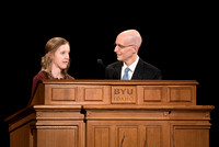 BYU-Idaho first devotional of Spring Semester. President Eyring inviting a student to share her experience at BYU-Idaho. Abr 2018