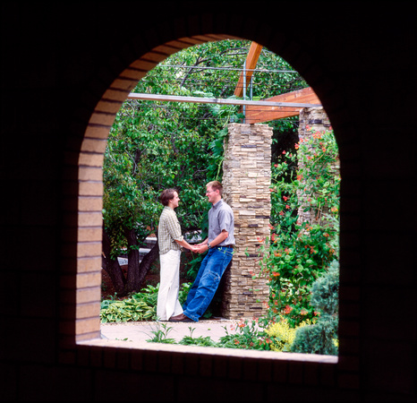 Photoshoot of a couple's example engagement in the Gardens