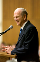 Elder Russell M Nelson speaking at the Brigham Young University-Idaho graduation banquet April 28, 2006.