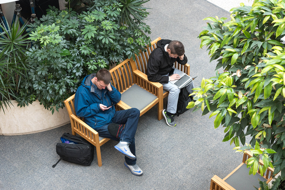 Students find places to study on campus on the first day of school. 2018